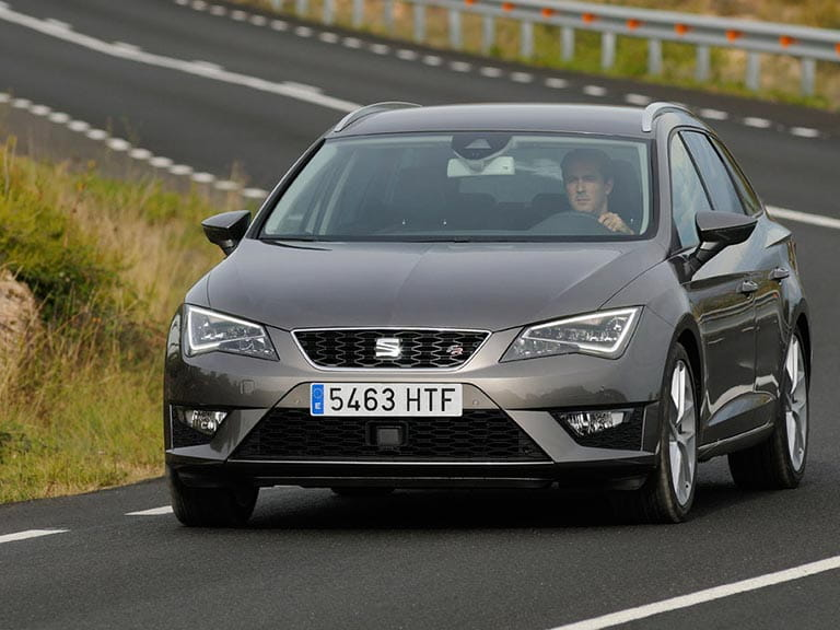 SEAT Leon ST front view