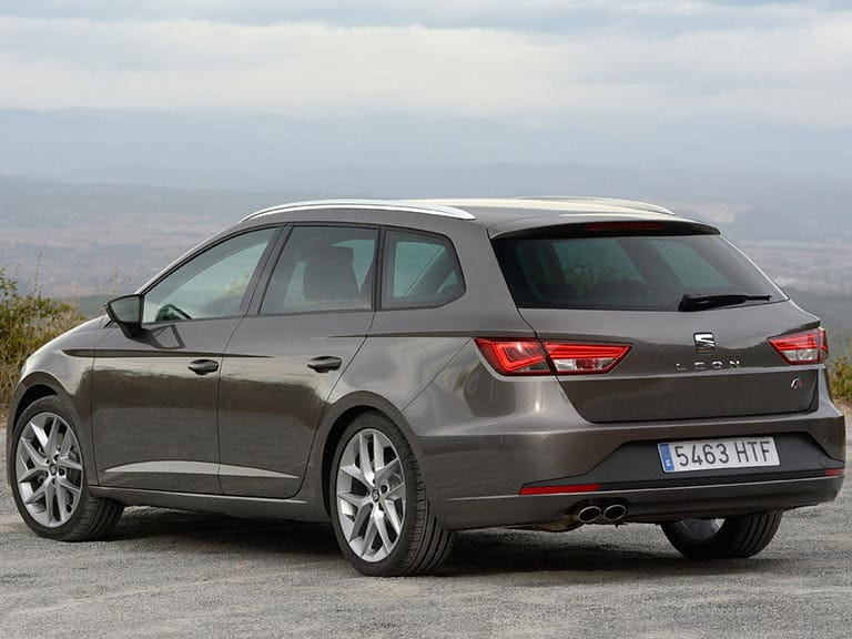 SEAT Leon STside rear view