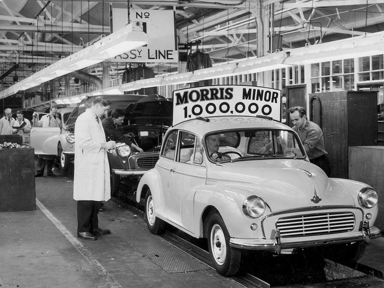 /contentlibrary/saga/publishing/verticals/motoring/cars/enjoying/29-morris-minor-3.jpg