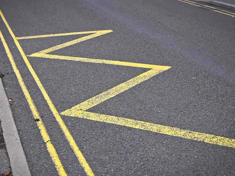 Zigzag road markings