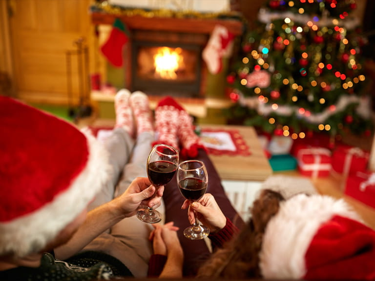 10 Christmas Date Ideas Saga
