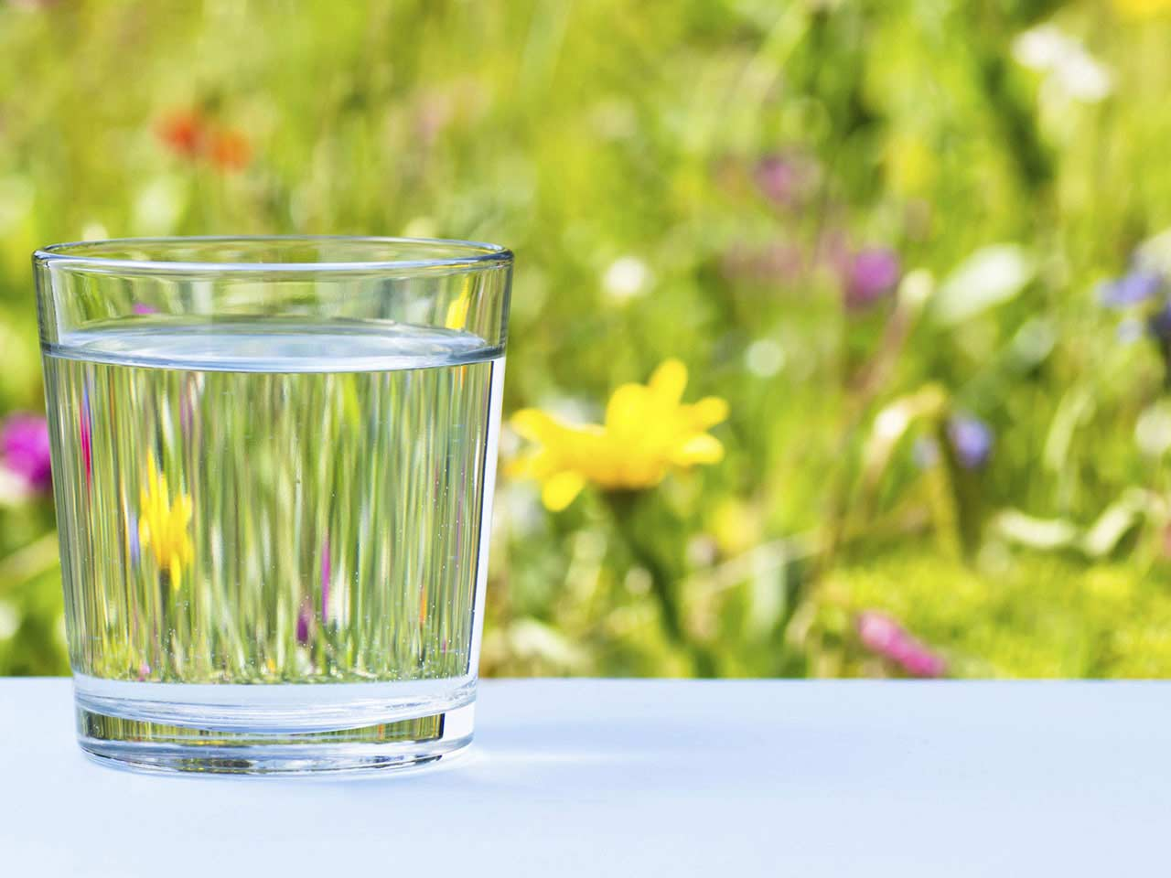 A glass of water, a basic component in looking younger