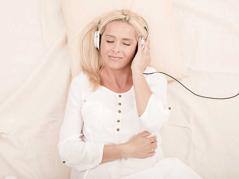 Podcasts offer the listener a wide variety of entertainment © Shutterstock/Spectral-Design