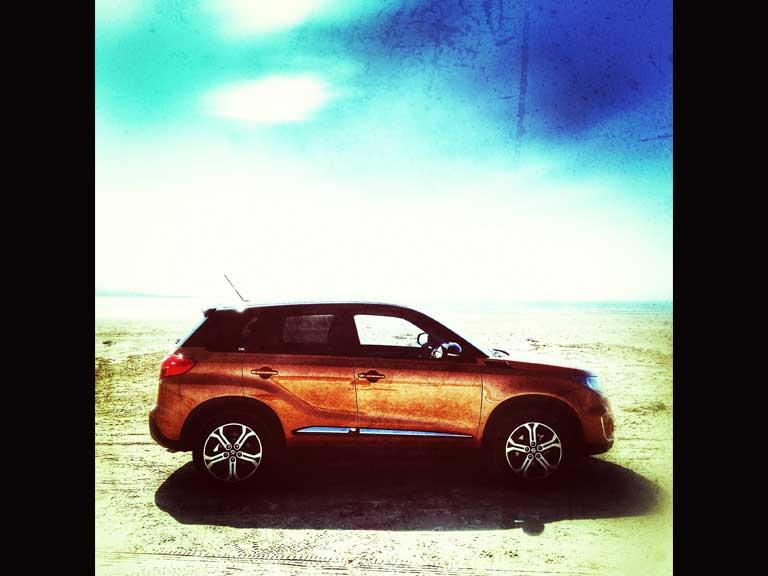 Image of a Suzuki Vitara edited with a filter