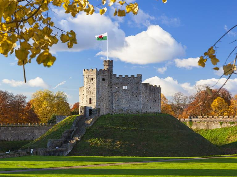 19 top cardiff castle - photo #39