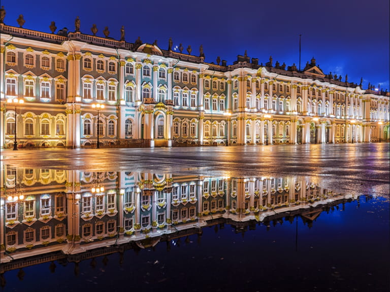 The Hermitage museum at night