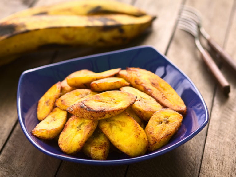 A dish of oven-baked plantains