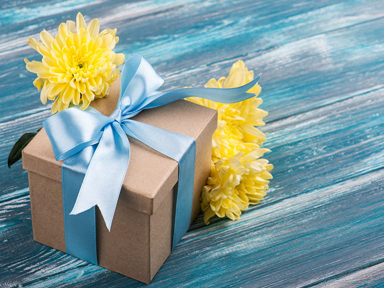 Yellow Chrysanthemum with present