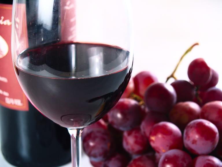 chianti wine flavor food drink reserve italian guide vera vine aroma grapes italy glass saga europe dining