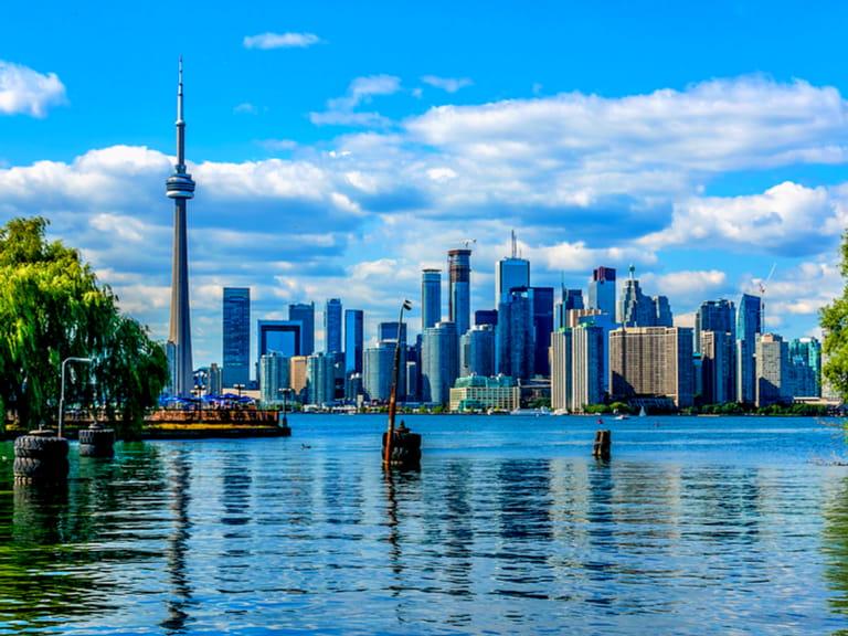 Canada The History And Must See Sights Of Toronto Saga